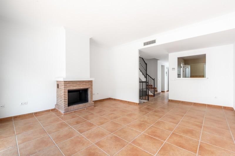 3 bed Property For Sale in Benahavís, Costa del Sol - 13