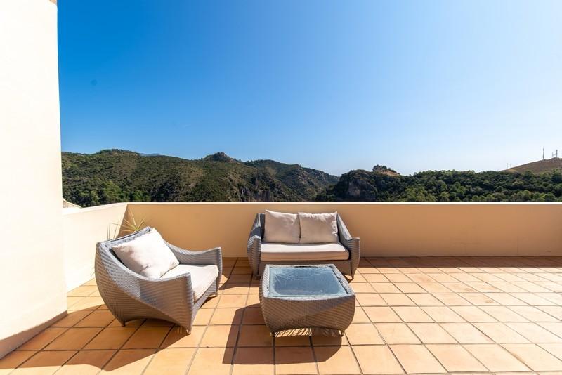 4 bed Property For Sale in Benahavís, Costa del Sol - 12