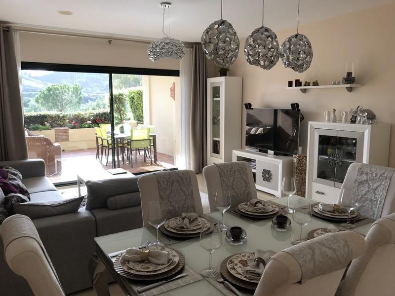 2 bed Property For Sale in Benahavís, Costa del Sol - thumb 8