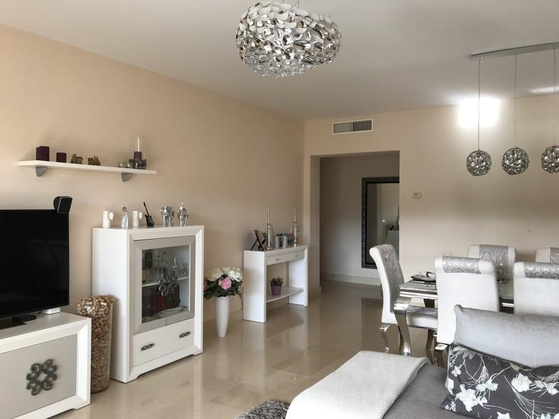 2 bed Property For Sale in Benahavís, Costa del Sol - thumb 9