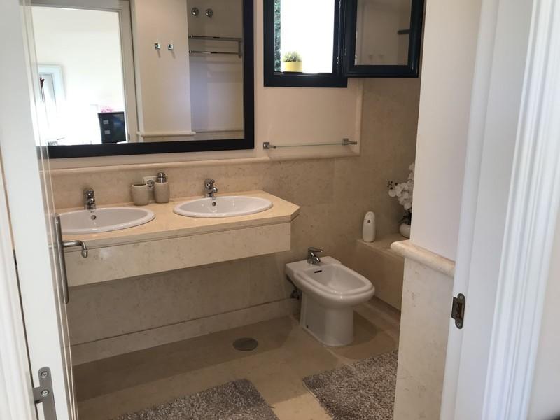 2 bed Property For Sale in Benahavís, Costa del Sol - thumb 19