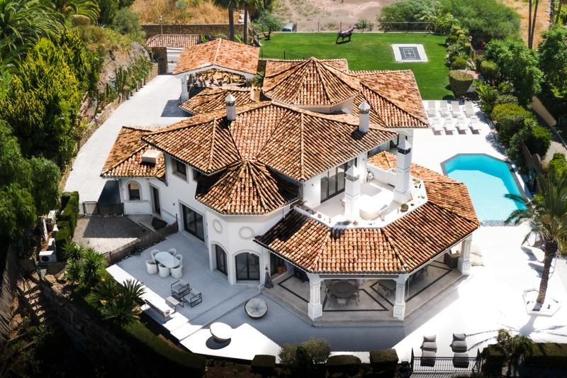 4 bed Property For Sale in La Quinta, Costa del Sol - 1