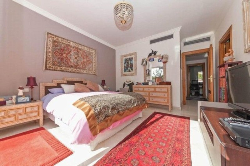 4 bed Property For Sale in Atalaya, Costa del Sol - thumb 3
