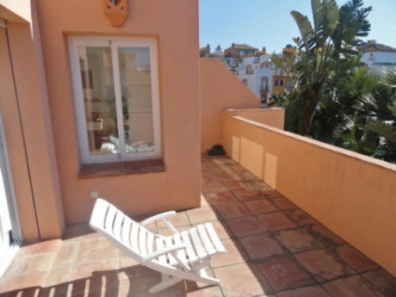 4 bed Property For Sale in Atalaya, Costa del Sol - thumb 7