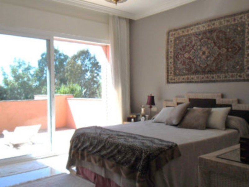 4 bed Property For Sale in Atalaya, Costa del Sol - thumb 9