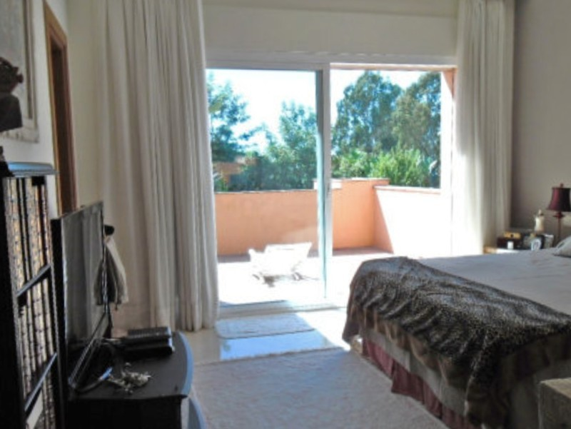 4 bed Property For Sale in Atalaya, Costa del Sol - thumb 10