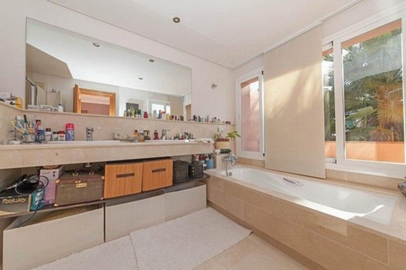 4 bed Property For Sale in Atalaya, Costa del Sol - thumb 12