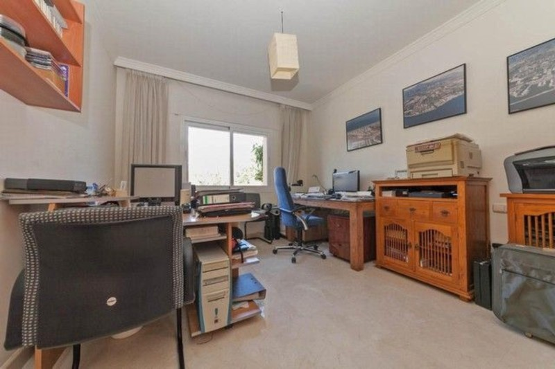 4 bed Property For Sale in Atalaya, Costa del Sol - thumb 20
