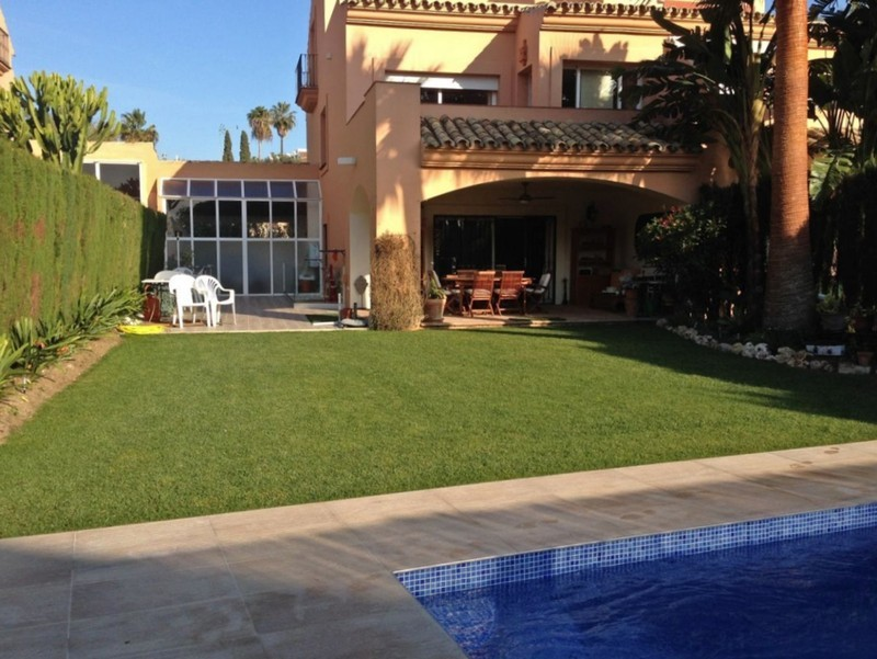 4 bed Property For Sale in Atalaya, Costa del Sol - thumb 34