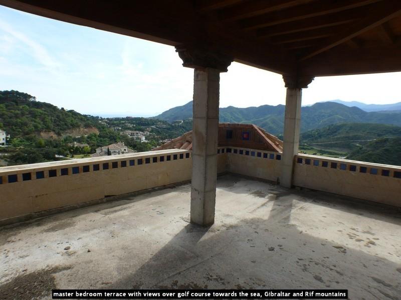 10 bed Property For Sale in La Zagaleta, Costa del Sol - 18