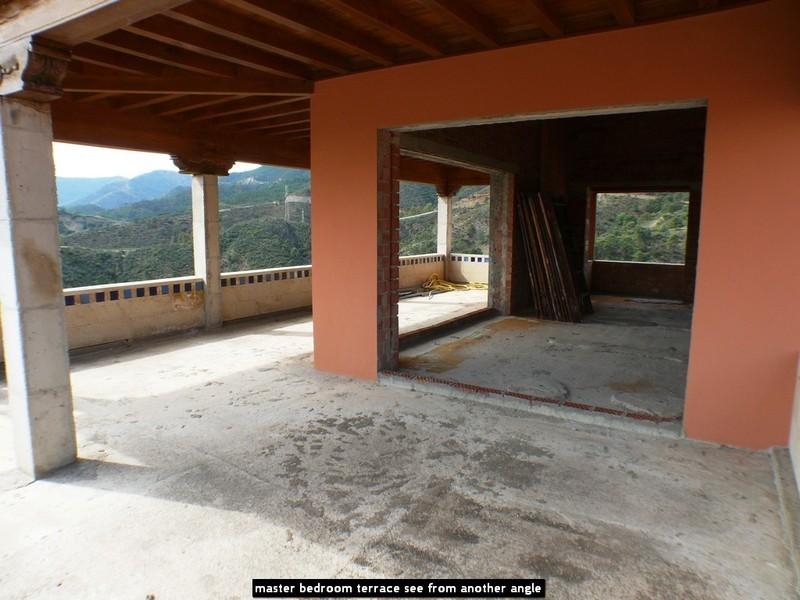 10 bed Property For Sale in La Zagaleta, Costa del Sol - 19