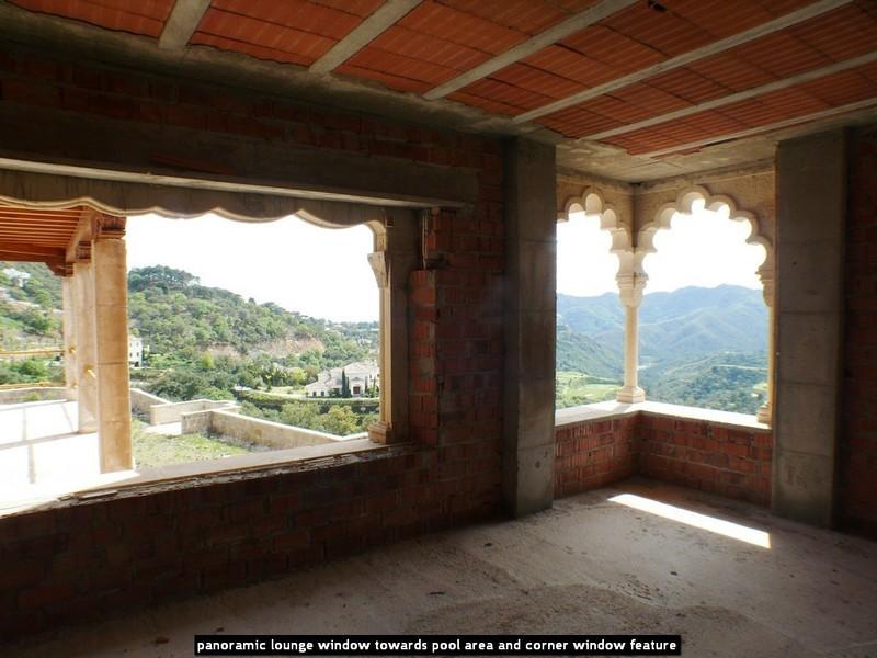 10 bed Property For Sale in La Zagaleta, Costa del Sol - 21
