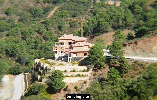 10 bed Property For Sale in La Zagaleta, Costa del Sol - 29