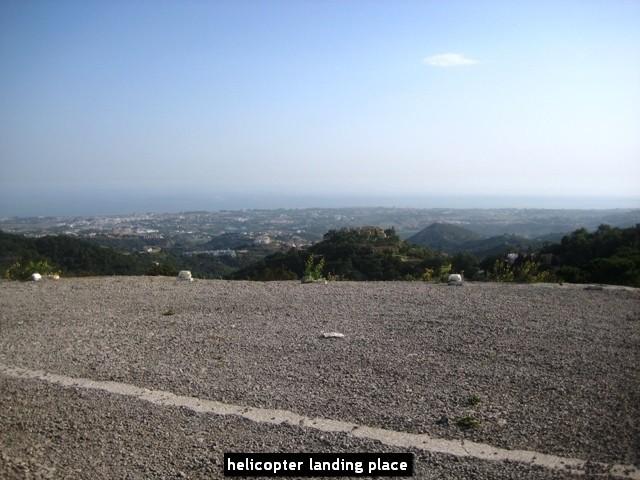 10 bed Property For Sale in La Zagaleta, Costa del Sol - 35
