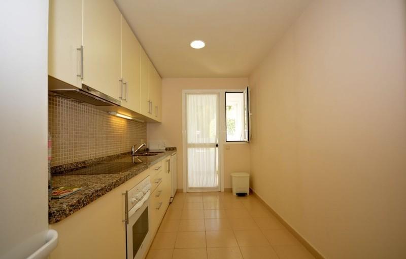 2 bed Property For Sale in La Quinta, Costa del Sol - 8