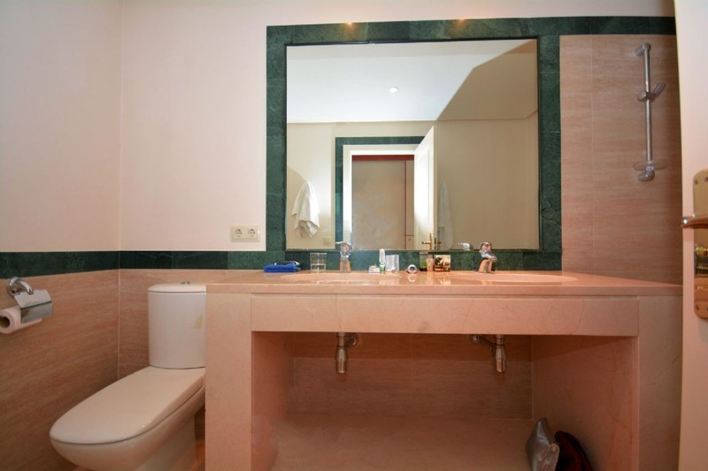 2 bed Property For Sale in La Quinta, Costa del Sol - 10