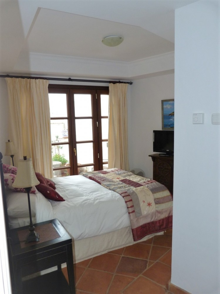 3 bed Property For Sale in La Heredia, Costa del Sol - 9