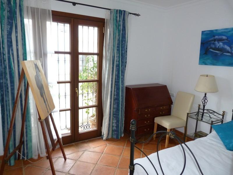3 bed Property For Sale in La Heredia, Costa del Sol - 11