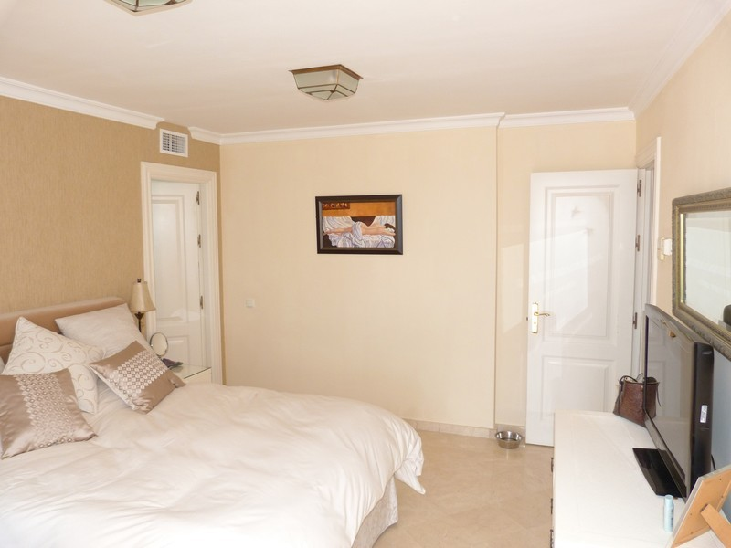 3 bed Property For Sale in La Heredia, Costa del Sol - 14