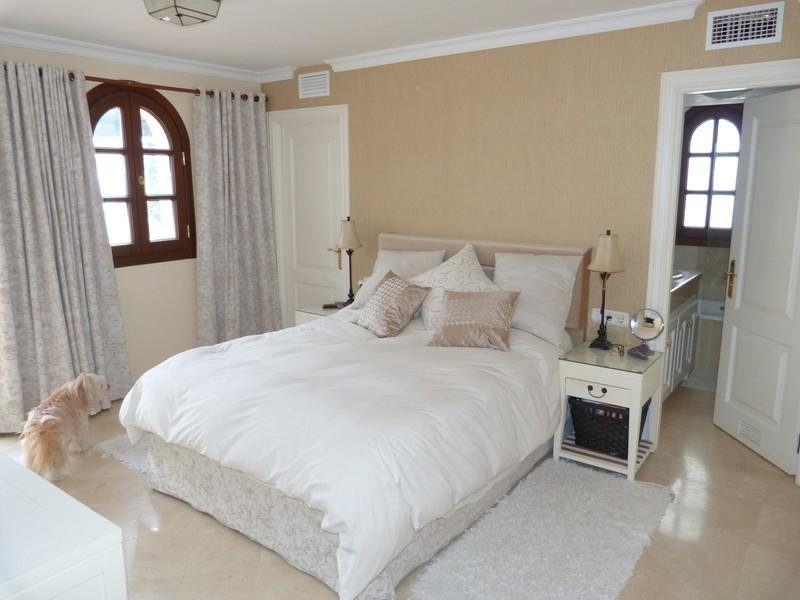 3 bed Property For Sale in La Heredia, Costa del Sol - 15