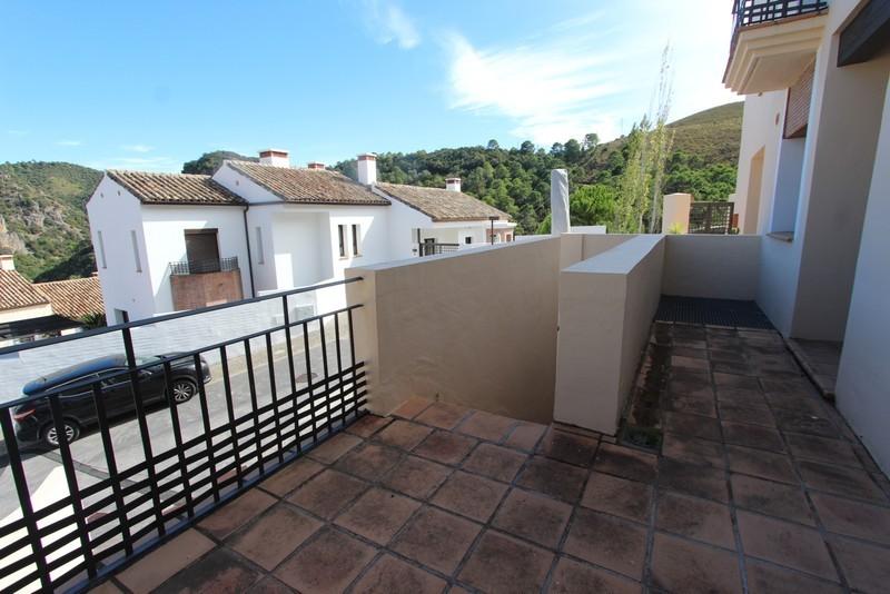 3 bed Property For Sale in Benahavís, Costa del Sol - 10