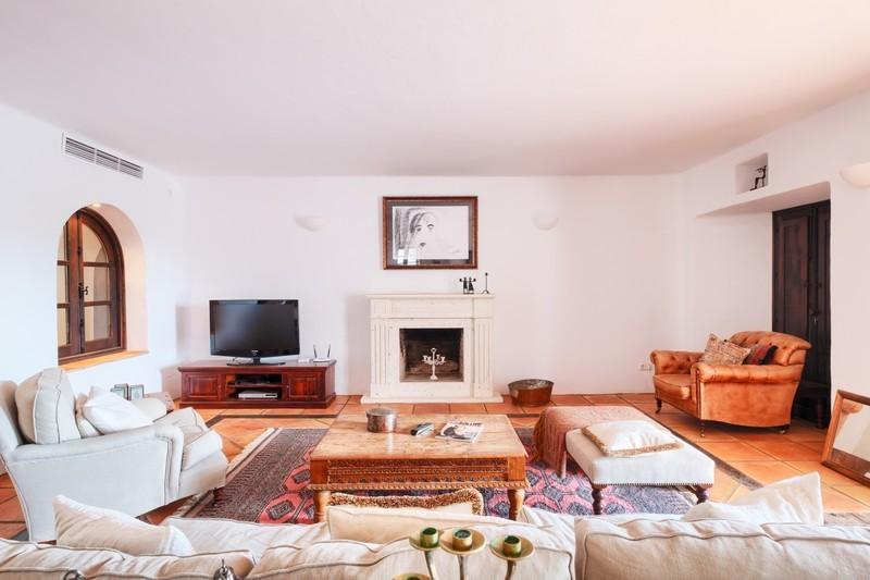 5 bed Property For Sale in El Madroñal, Costa del Sol - 12
