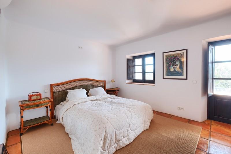 5 bed Property For Sale in El Madroñal, Costa del Sol - 18