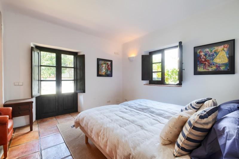 5 bed Property For Sale in El Madroñal, Costa del Sol - 26
