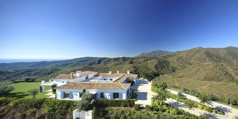 4 bed Property For Sale in Benahavís, Costa del Sol - 1