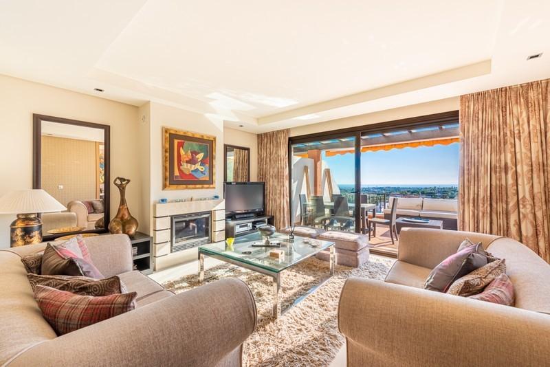 3 bed Property For Sale in La Quinta, Costa del Sol - 3