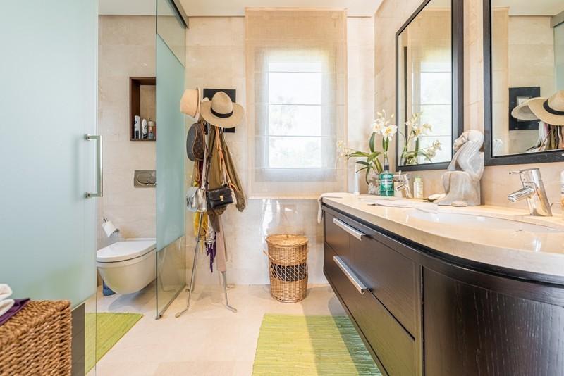 3 bed Property For Sale in La Quinta, Costa del Sol - 11