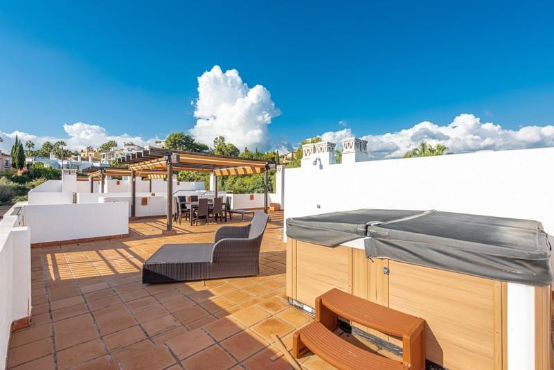 3 bed Property For Sale in La Quinta, Costa del Sol - 17