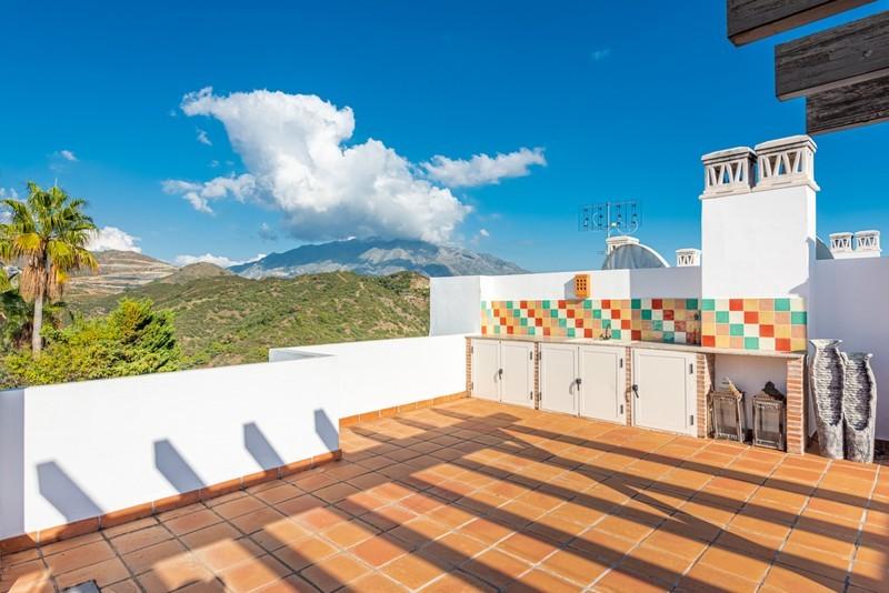 3 bed Property For Sale in La Quinta, Costa del Sol - 18