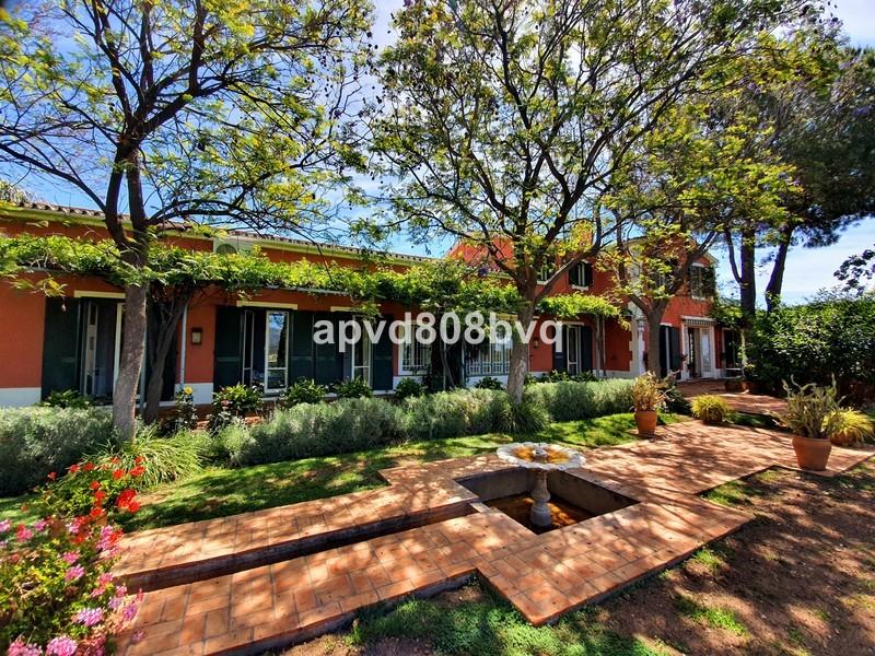9 bed Property For Sale in Benahavís, Costa del Sol - 1