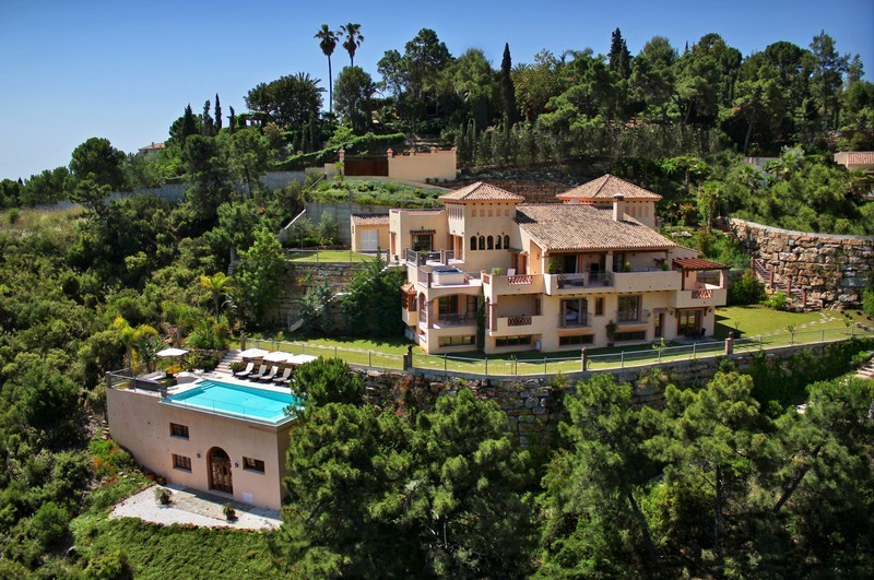 6 bed Property For Sale in El Madroñal, Costa del Sol - 1