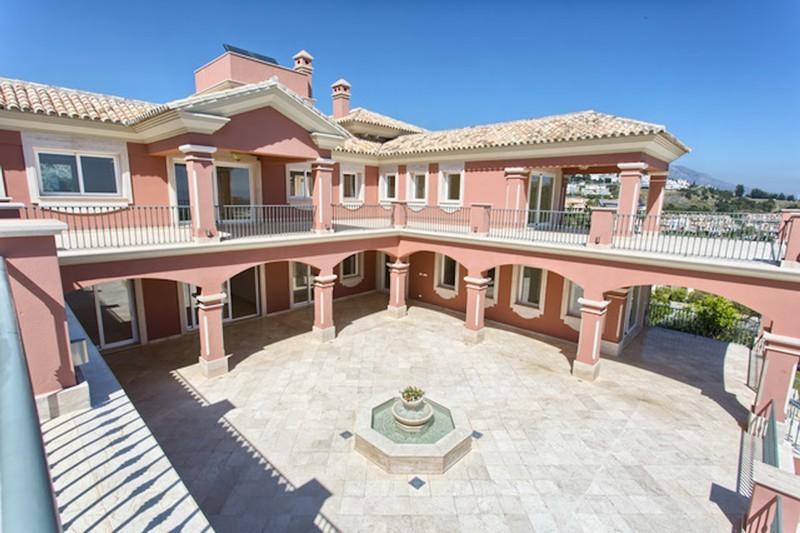 8 bed Property For Sale in Los Arqueros, Costa del Sol - thumb 11