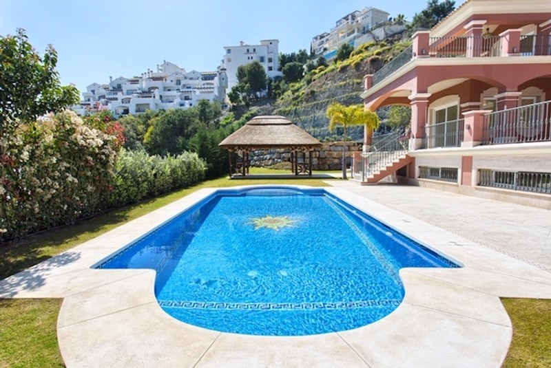 8 bed Property For Sale in Los Arqueros, Costa del Sol - thumb 14