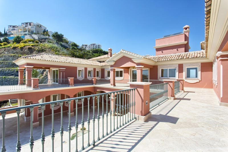8 bed Property For Sale in Los Arqueros, Costa del Sol - thumb 16