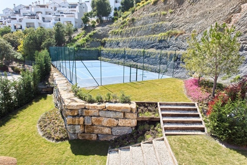 8 bed Property For Sale in Los Arqueros, Costa del Sol - thumb 19