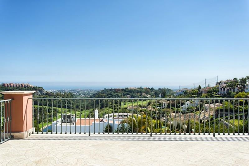 8 bed Property For Sale in Los Arqueros, Costa del Sol - thumb 21