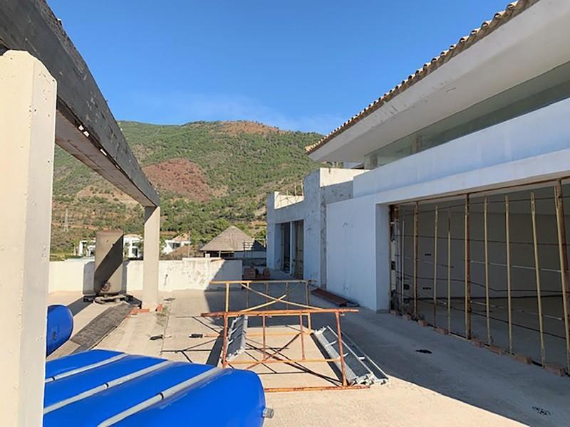 6 bed Property For Sale in La Zagaleta, Costa del Sol - 26