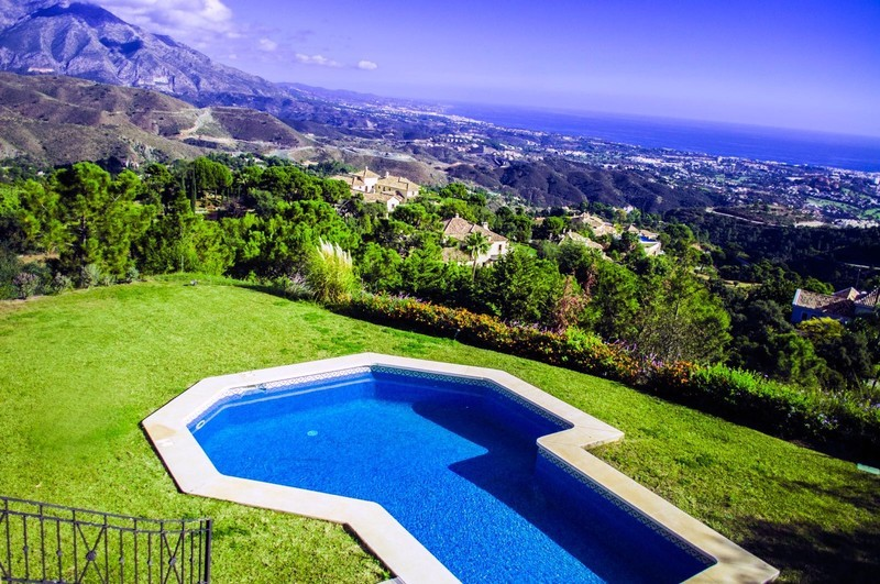 6 bed Property For Sale in La Zagaleta, Costa del Sol - 1