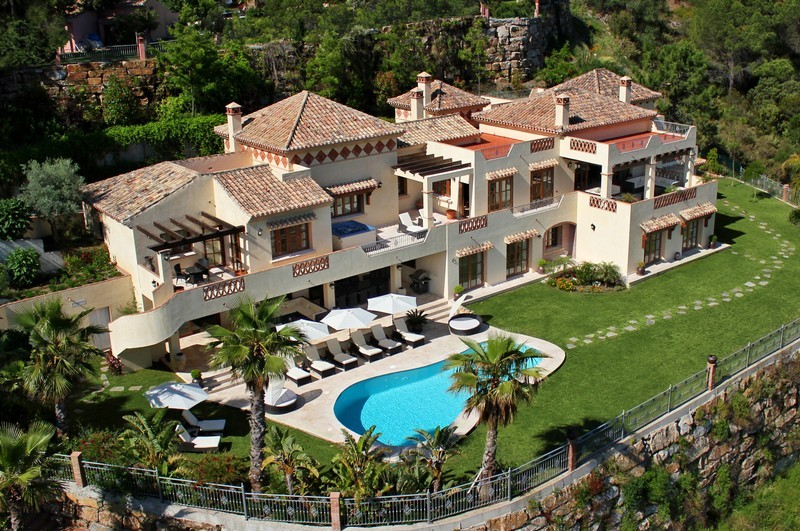 7 bed Property For Sale in El Madroñal, Costa del Sol - 1