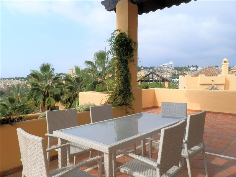 3 bed Property For Sale in Atalaya, Costa del Sol - 23