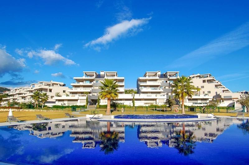 3 bed Property For Sale in Los Arqueros, Costa del Sol - 1