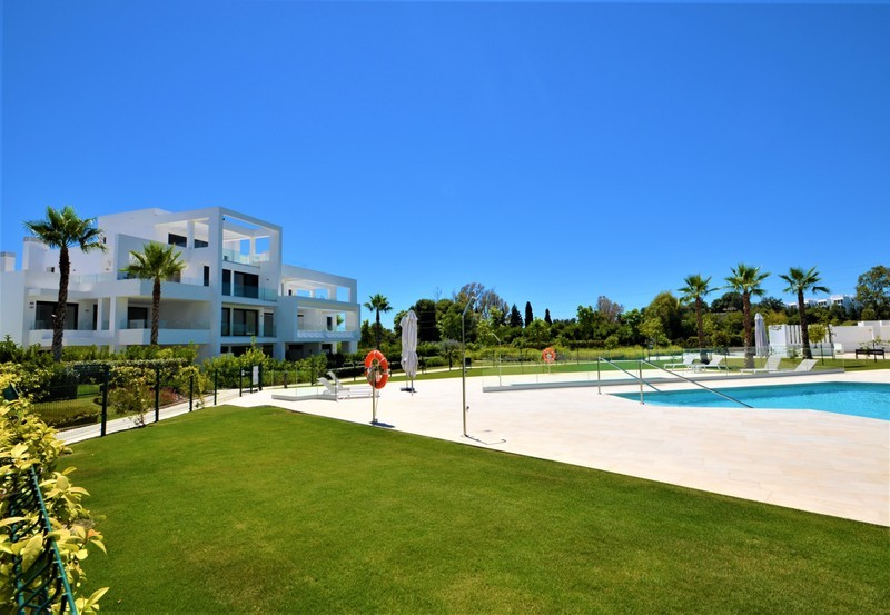 2 bed Property For Sale in Atalaya, Costa del Sol - 13