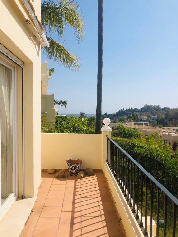 2 bed Property For Sale in La Quinta, Costa del Sol - 4