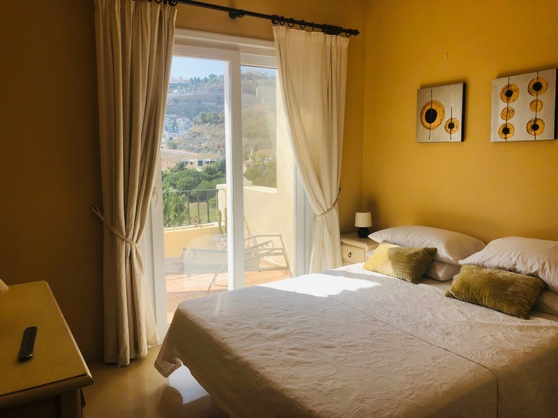 2 bed Property For Sale in La Quinta, Costa del Sol - 14