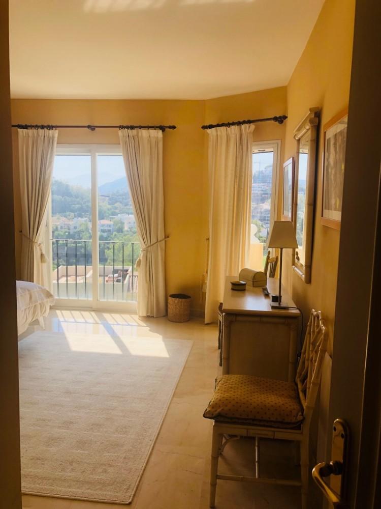 2 bed Property For Sale in La Quinta, Costa del Sol - 17