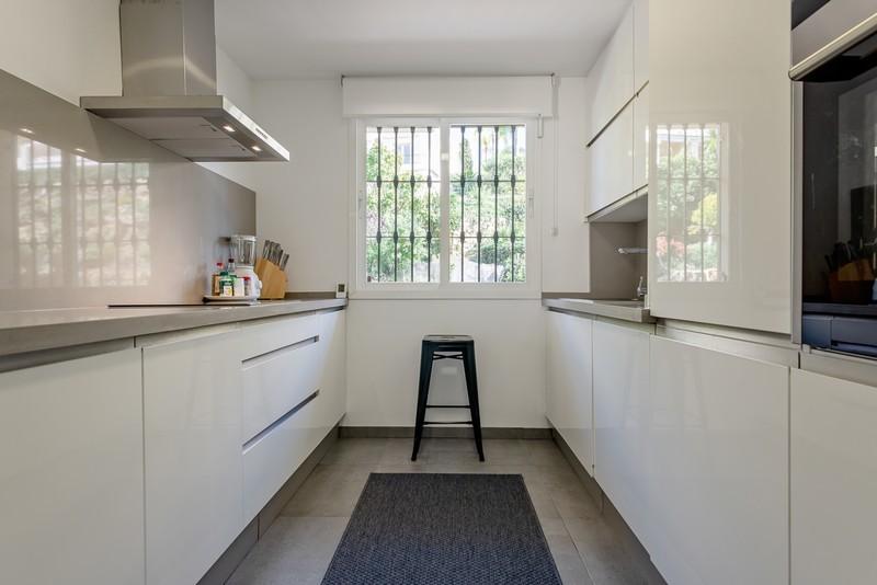 2 bed Property For Sale in Benahavís, Costa del Sol - 5
